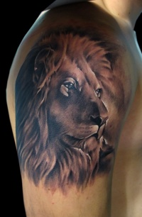 Highly detailed lion head tattoo